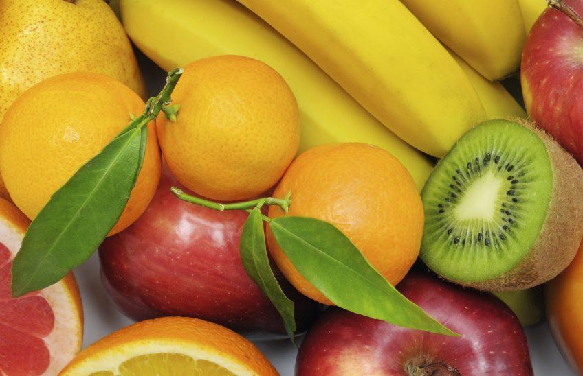 Children get free fruitat Tesco